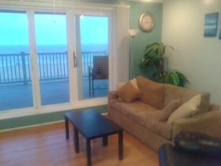 Oceanfront One Bedroom Condo with Large Balcony