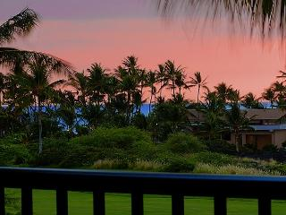 New-Shores Penthouse 305 | Fabulous Sunsets from your Lanai- Walk to Beach, Waikoloa
