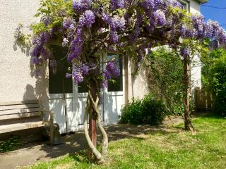 Garden Apartment in the beautiful village of Scone