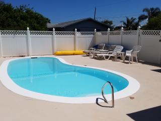 Cute Bungalow near the Beach & River with Private Pool, Patio, Grill, & Kayaks!!
