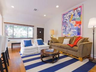 Venice Beach House 3-bed 2-bath Silver Triangle
