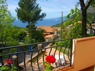 Villetta indipendente con giardino, Maratea