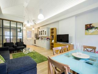 Covent Garden 3 to 4-Bedroom Home (4703), Londres