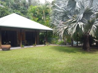 Garden Villa, Oak Beach-Pt Douglas, Queensland