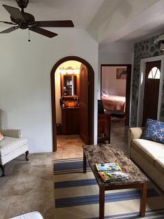 Hibiscus Apartment, Screened Windows, Air Conditioned