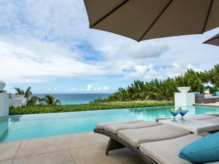Luxury 4 bedroom Anguilla villa. Luxury Beachfront!