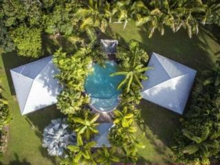 Two Boutique Villas with Pool-Spacious & Stunning, Oak Beach
