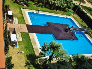 GOLETA ALMERIA: Piscina, WiFi y Parking.