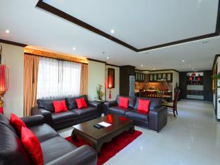 5 Star Luxury 2 BDR Condo Pratumnak