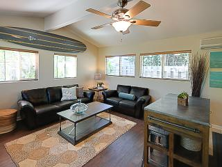 Kailua Beach Cottage 2BD/2BA walk to the beach!