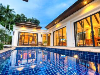 3 BDR LUXURY BALINESE STYLE POOL VILLA