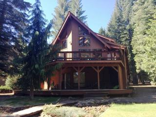 Minton - Lake Almanor West Golf Course Home with all the Bells & Whistles, Lake Almanor Peninsula