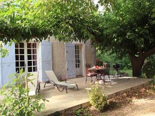 Chez  OLIVE      Au calme et à la campagne à 10 minutes d'Avignon