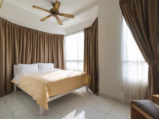 Georgetown Seaview 3 rooms Condo, George Town