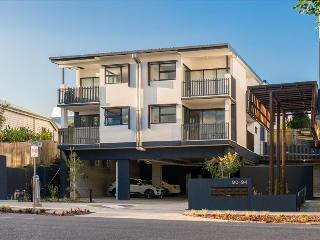 Oxford Steps - Executive 2BR Bulimba Apartment