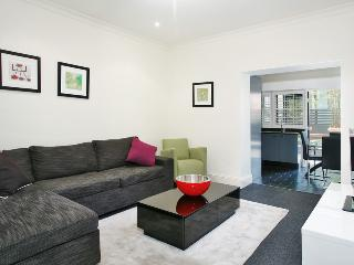 StN2S 2BR Potts Point, Sydney