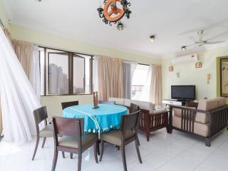 Fantastic Seaview Penthouse (20% off Jul. Hurry!), George Town