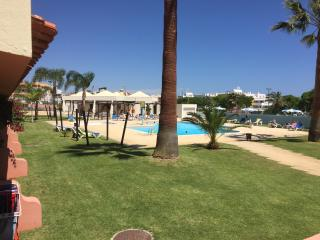 Nice apartment, central location, pool,  good view, Albufeira