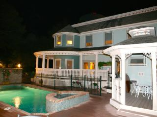 SALTAIRE ESTATE, Elevator, Pool/Hot Tub, Sleeps 18, Pet Friendly Vacation Rental