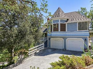Vacation Home in Beautiful Oak Tree Canopy--Downtown Paso Robles!