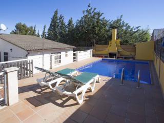 Catalunya Casas: Angelic villa in Bellvei for 9 guests, only 3km from the beache