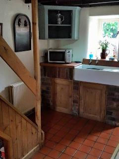 Traditional and well equipped kitchen, lots of essential extras provided