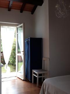 1st bed room/ garden