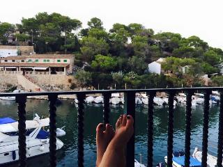 Beautiful flat on the seashore, Cala Figuera