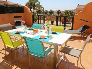 Sleeps 6, 2 bath with sea views on club la costa, Fuengirola