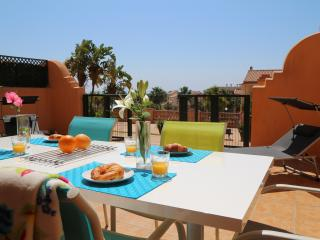 CLUB LA COSTA WORLD , SEA VIEWS ,BBQ, SLEEPS 6, BIG PATIO