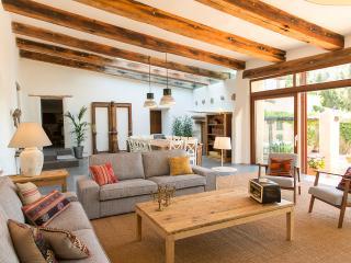 Magnífica masia restaurada a 25 km de Barcelona