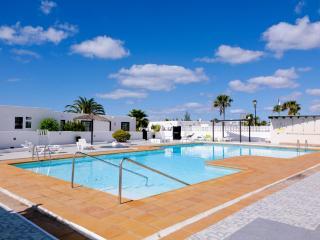 Lanzarote flat with pool and sea view, Puerto Del Carmen