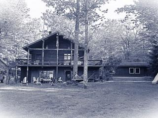 Comfy Cabin on Echo Pond, Sherman