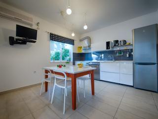Apartments Zambarlin-Apartment Perina, Komiza