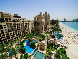 Luxury 2 bdr app at Fairmont, Palm Jumeirah!, Dubái