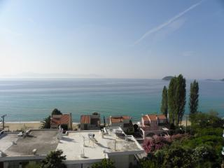 Detached house with a wonderful view, Palaio Tsifliki