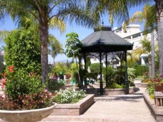 chalet adosado en Aloha Garden (Marbella), Puerto Banus