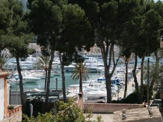 Luxury apartment next to the yacht club, Port d'Andratx