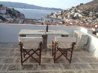 Hydra studio house, patio garden & roof terrace, Hydra Town
