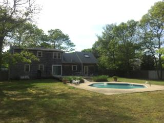 Large 4BR/3BA home with a private pool!, Falmouth