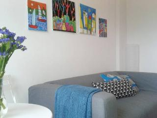 Colourful, 1 bd apt next to the Cyprus University, Nicosia