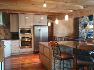 Near Sturgis, Centrally located Gorgeous Log Cabin