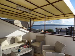Villa Vesna  Crikvenica-  Nice apartment  with terrace seaview to the island Krk