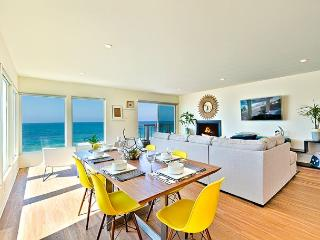 10% OFF JUNE DATES - Beachfront Bliss - Enjoy the beach and sweeping views