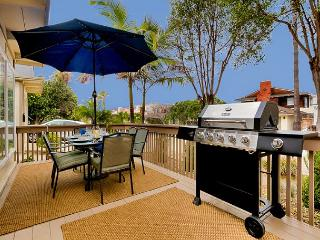 Newly remodeled, private patio, al fresco dining, steps to Windnsea Beach!, La Jolla