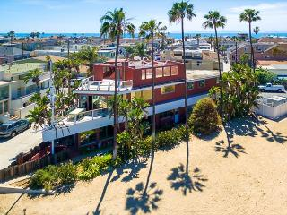 20% OFF OPEN DEC DATES -Famous Newport Ship House-On the Bay,Walk to the Sand, Newport Beach