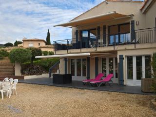 Grand rez-de-jardin dans villa, vue mer+montagne, Cavalaire-Sur-Mer