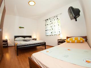 Apartments Zambarlin-Apartment Domina, Komiza