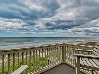 READY FOR SUMMER - Classy, Elegant 2BR Oceanfront, Surfside Beach