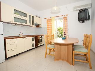 Apartments Zambarlin-Apartment Bepina, Komiza